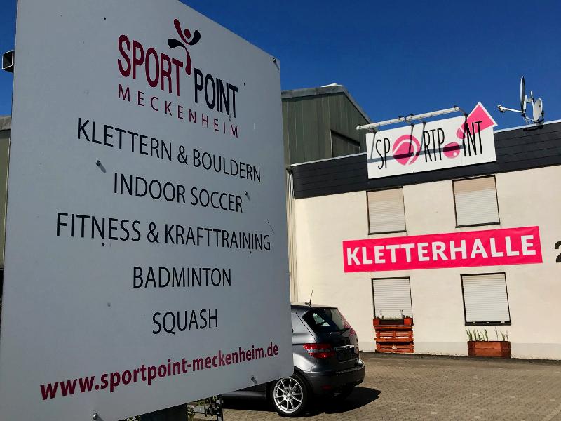 indoorsport klettern bouldern squash fitness badminton soccer fußball indoor sportpoint meckenheim bonn kletterhalle fitnesscenter boulderhalle